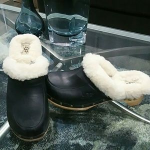 UGG Clogs sz 8
